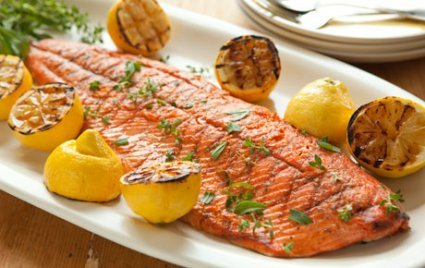 grilled-salmon-and-lemons-with-herbs